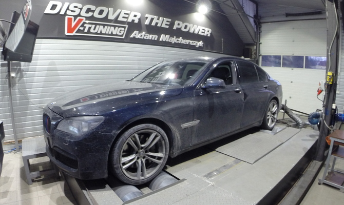 Chip Tuning BMW F01 750i 4.4 407 KM + 60 KM + 121 Nm